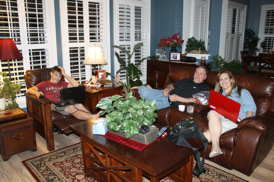 Hanging out at Mindy's twin sister and her family on Saturday evening.