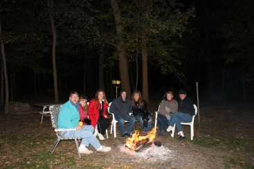 Bonfire with Mindy's sisters (Tammy and Missy) and parents (Dick and Mom). Dick wanted us to experience as much fall as we could while we were up north.