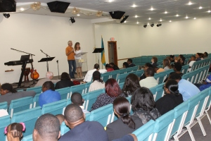 New Years eve we spent the evening at church where we and 3 other couples shared our testimony of God's faithfulness.  We spoke particularly on how God called us and brought us to Nassau to serve at ALC...
